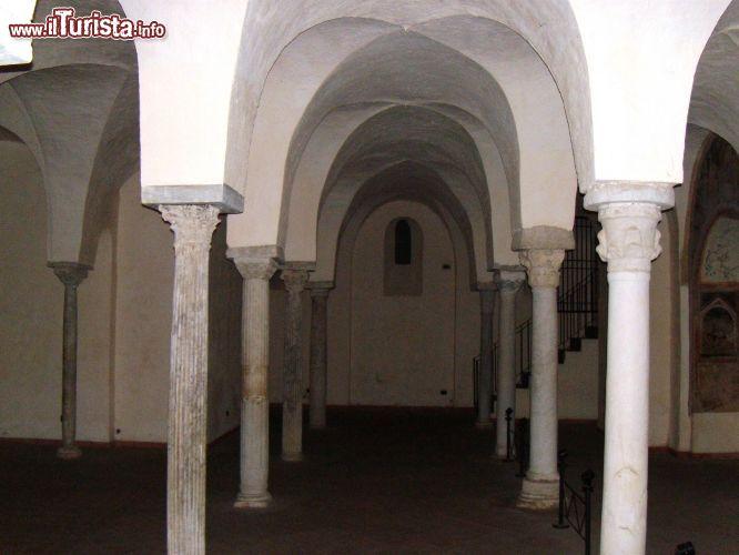 La cripta del Duomo a Sant'Agata de' ...   Foto Sant'Agata ...
