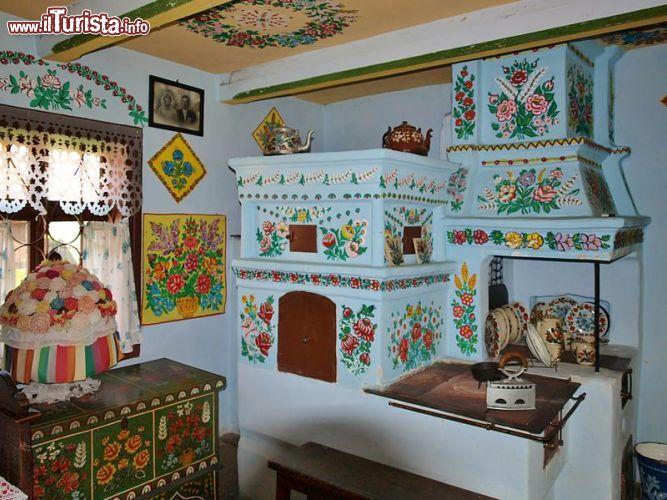 La cucina della casa museo di felicja curyowas foto for Disegni della casa della cabina di ceppo