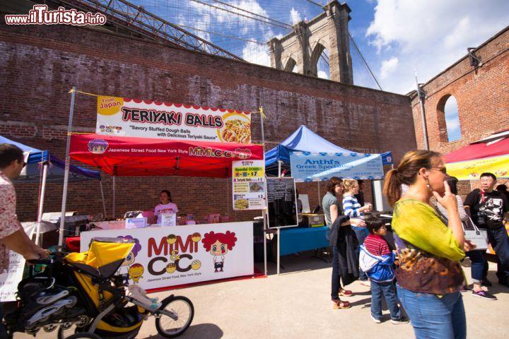 Edizione domenicale del brooklyn flea il mercatino - Mercatini vintage veneto ...