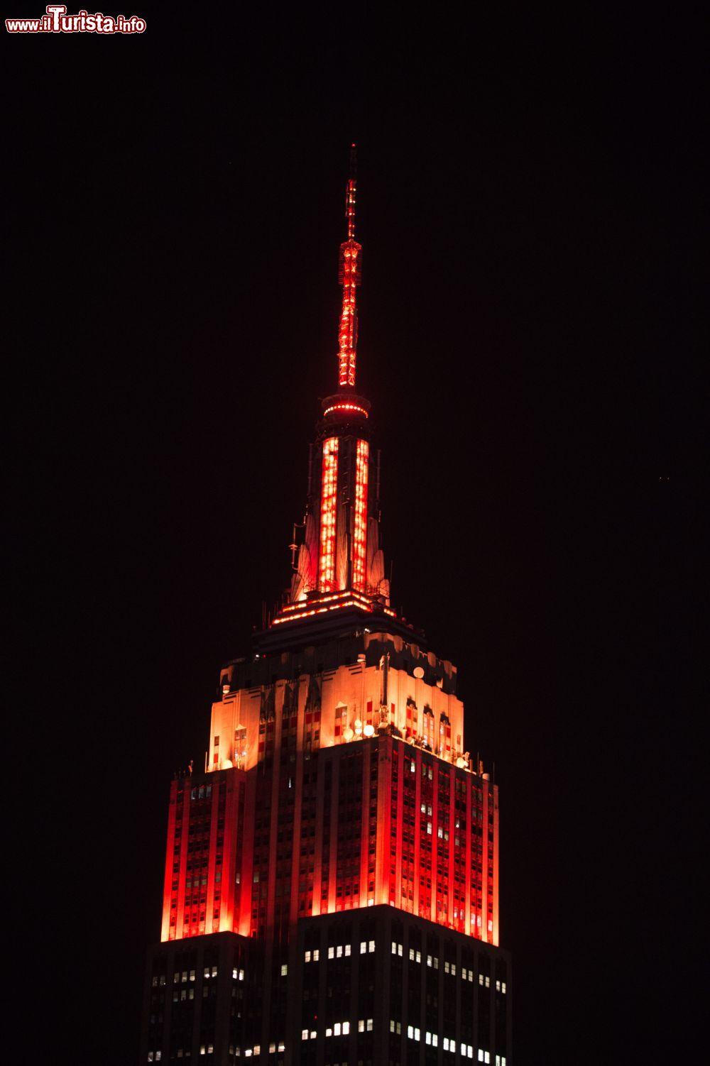 L 39 empire state building fotografato di notte foto for Foto new york notte