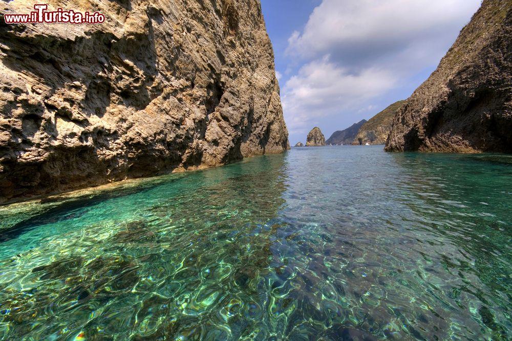 Le foto di cosa vedere e visitare a Palmarola