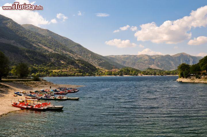 Escursioni in barca sul lago di scanno in abruzzo for Casetta sul lago catskills ny