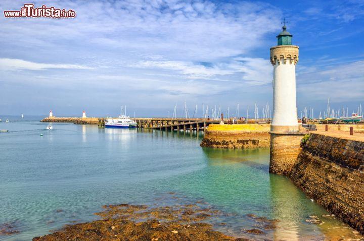 Faro sulla costa della bretagna francia sono foto - Simboli di immagini della francia ...