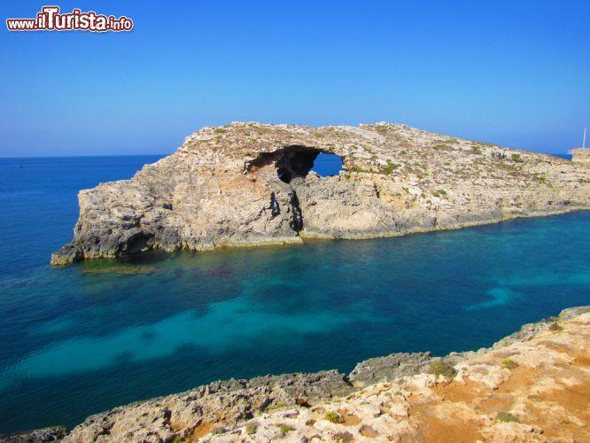 Formazioni rocciose a comino malta un panorama - Finestra sul mare malta ...