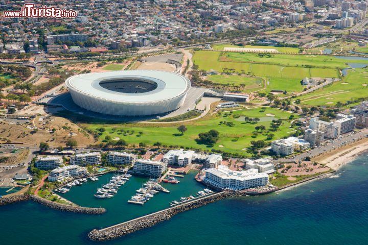 Foto aerea dello stadio di cape town sud africa for Sud africa immagini