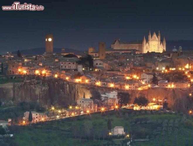 I mercatini di natale ad orvieto date 2016 e programma for Mercatini umbria oggi
