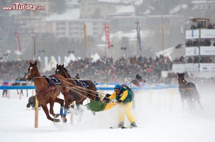 Corse Cavalli Milano Calendario.White Turf A St Moritz Sul Lago Ghiacciato Corse Al Trotto