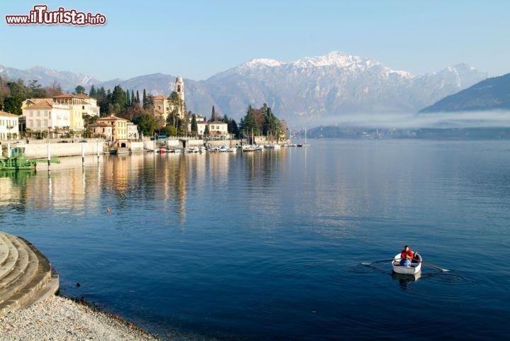 Gita in barca con il fondale incantato di tremezzo for Casetta sul lago catskills ny