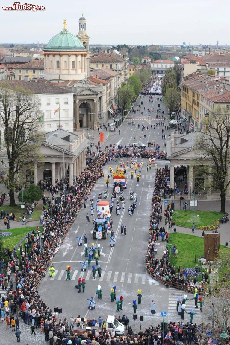 Il Carnevale Di Bergamo Spezza Il Periodo Quaresimale Foto