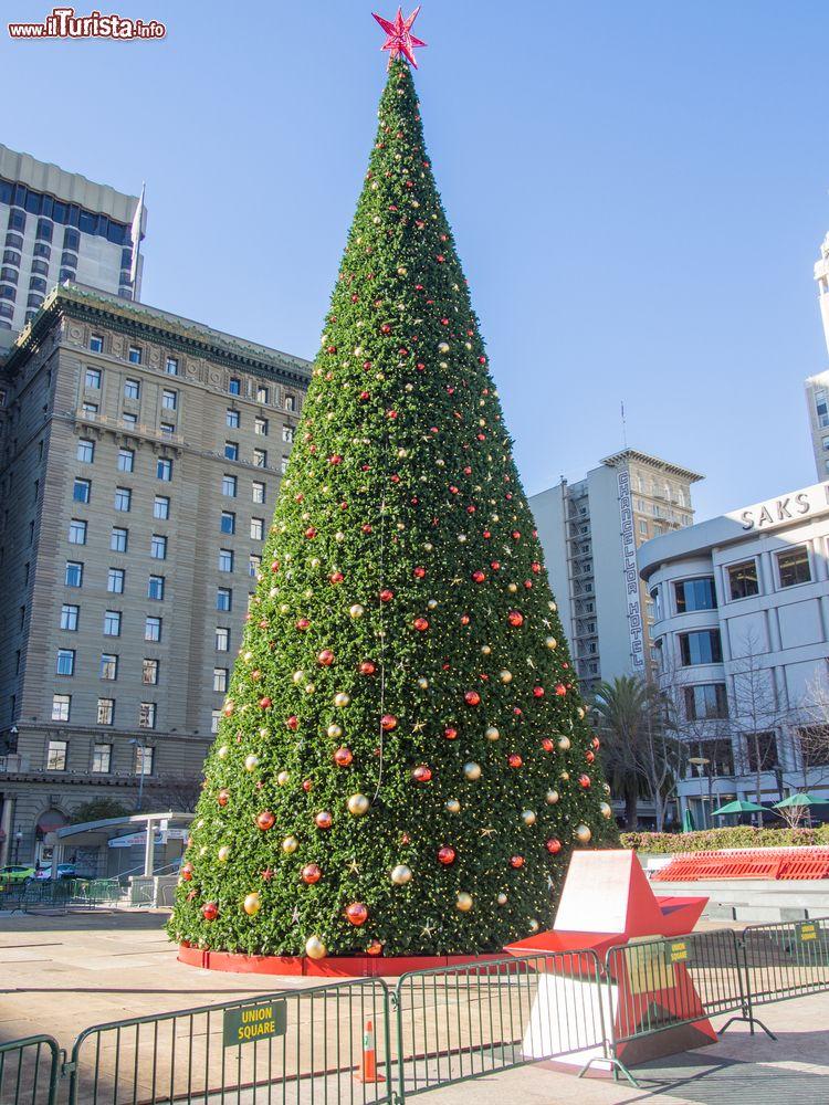 Albero Di Natale Grande.Il Grande Albero Di Natale In Union Square A Foto San Francisco