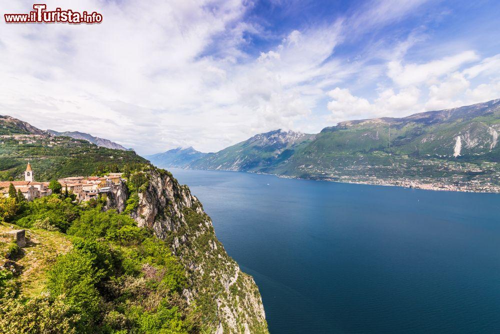 Il Lago del Garda dalla Terrazza Del Brivido ... | Foto Tremosine