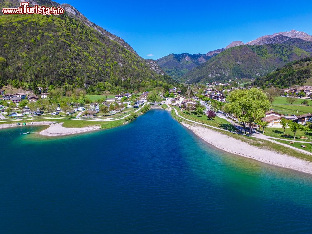 I laghi balneabili pi belli del trentino alto adige for Disegni di laghi