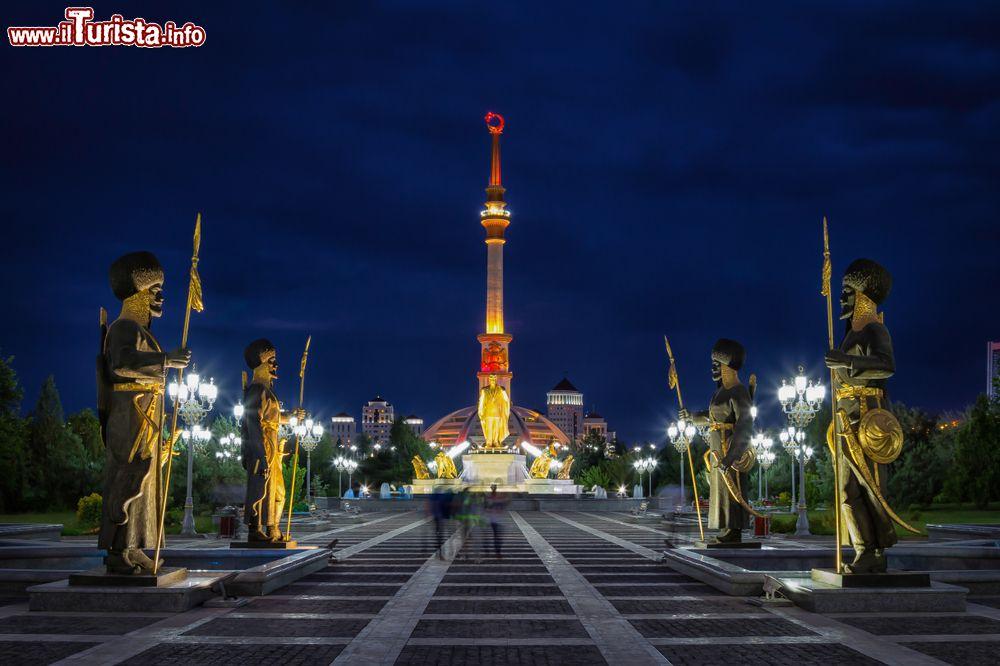 Le foto di cosa vedere e visitare a Ashgabat