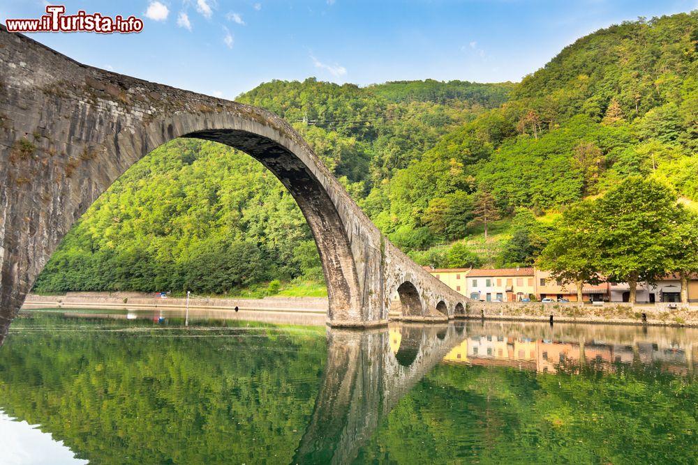 Bagni di lucca toscana vacanza tra terme e centri for Disegni di ponte a 2 livelli