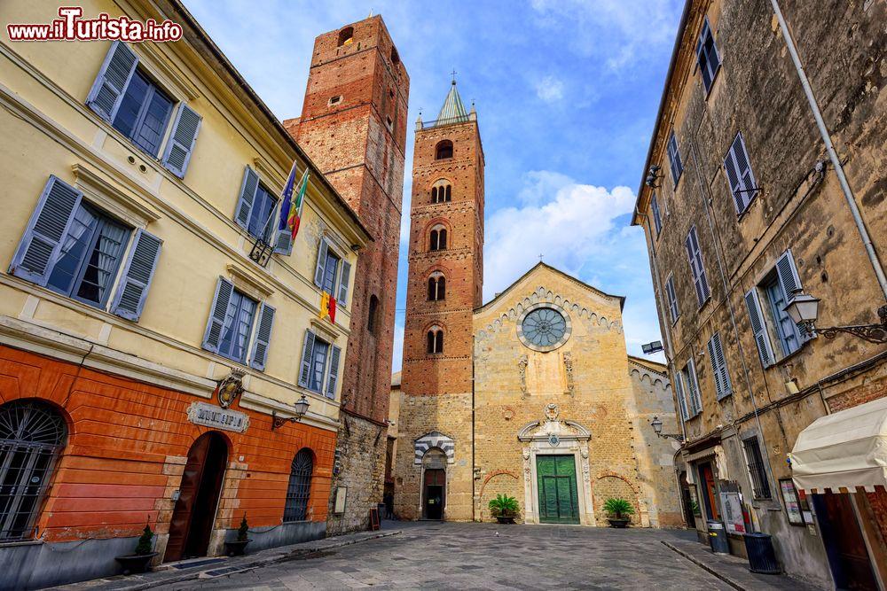 Le foto di cosa vedere e visitare a Albenga