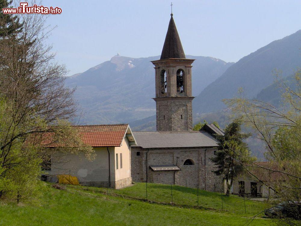 Le foto di cosa vedere e visitare a Brallo di Pregola
