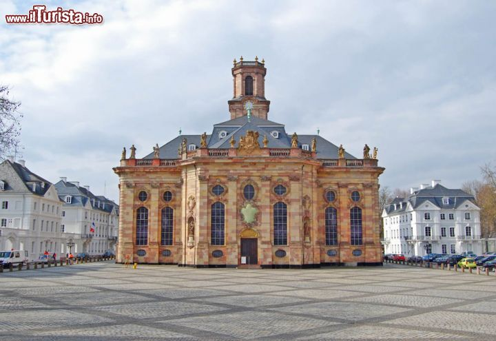 Immagine La Ludwigskirche in centro a Saarbrucken, in Germania