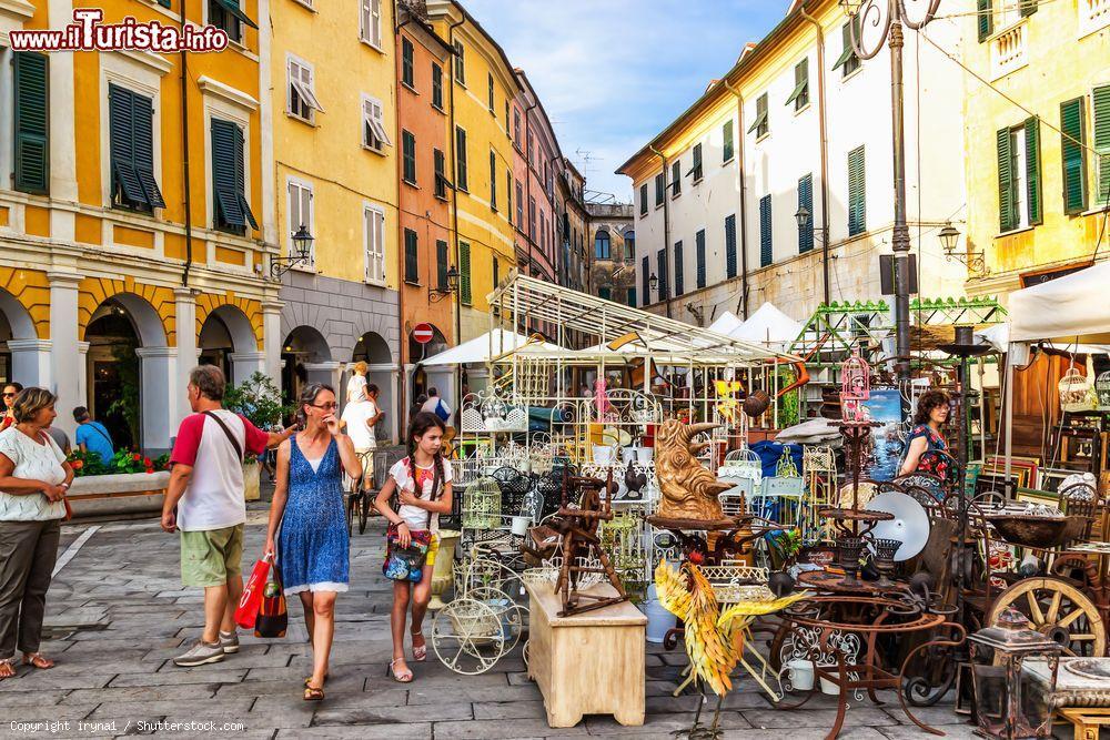 Calendario Mercatini Antiquariato.I Mercatini Dell Antiquariato In Italia I Piu Grandi E