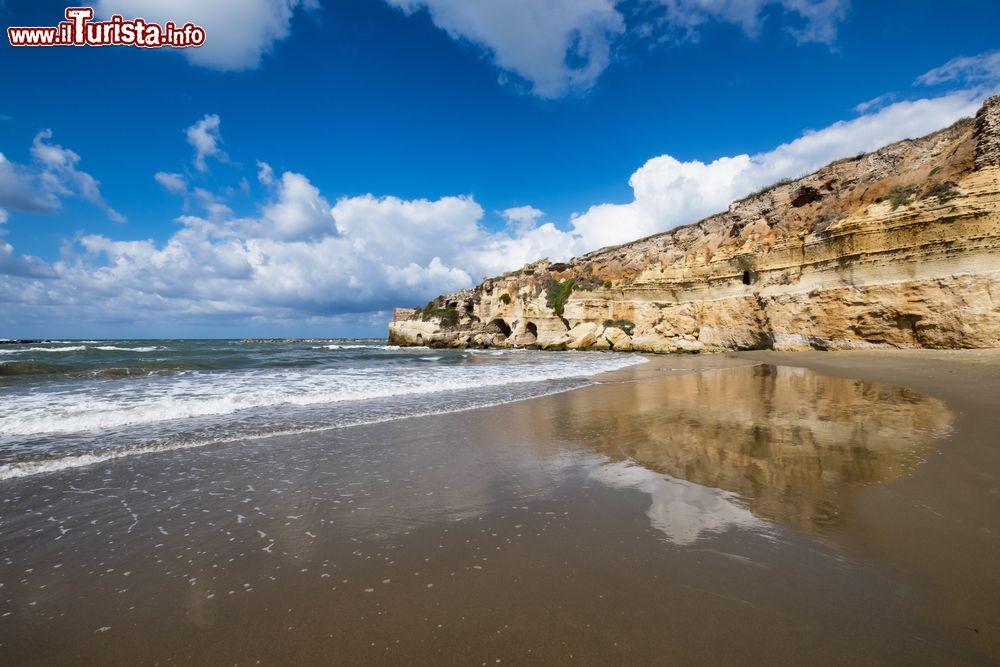 Matrimonio Spiaggia Anzio : Anzio lazio le spiagge e grotte di nerone cosa vedere