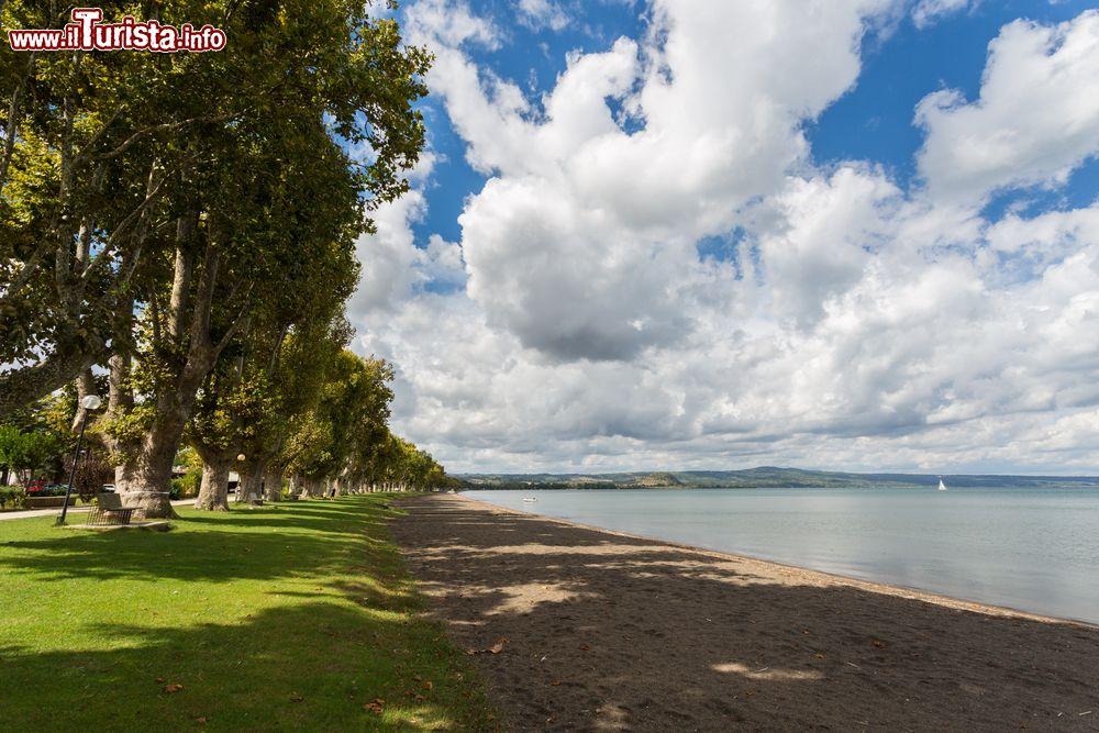Le spiagge pi belle del lago di bolsena - Lago di bolsena dove fare il bagno ...