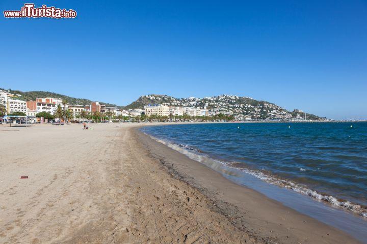 Le spiagge pi belle vicino a barcellona andiamo in costa - Office de tourisme rosas costa brava ...