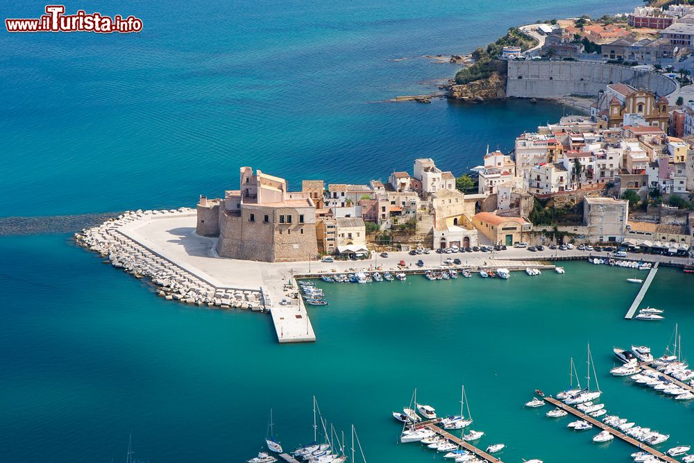 Le foto di cosa vedere e visitare a Castellammare del Golfo