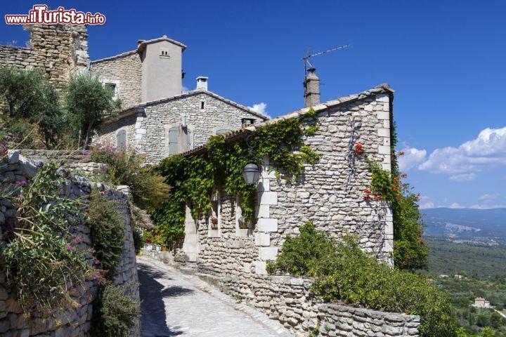 visita al borgo di gordes francia il fascino foto On trascorrere in francese