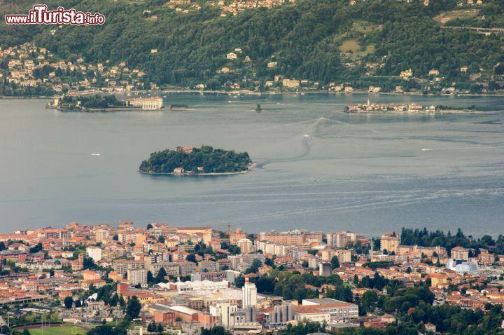 Cosa vedere sul lago maggiore versante italiano posti for Casetta sul lago catskills ny