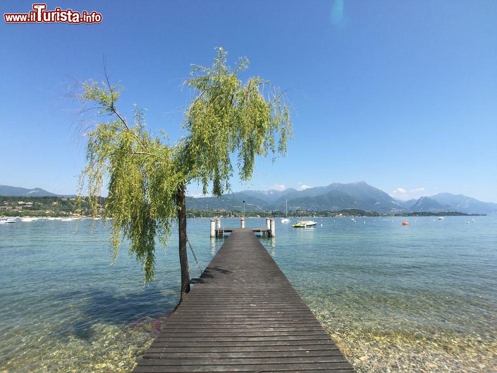 Molo per le barche sul lago di garda a manerba foto for Casetta sul lago catskills ny