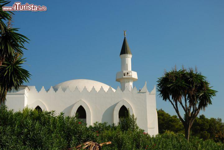 La moschea del re abdelaziz a marbella spagna foto for La capitale dell arabia saudita