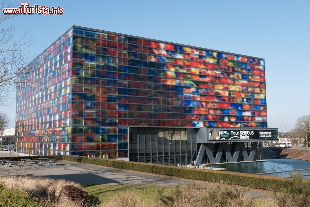 Hilversum la citt olandese immersa nella natura e nell for Architettura olandese