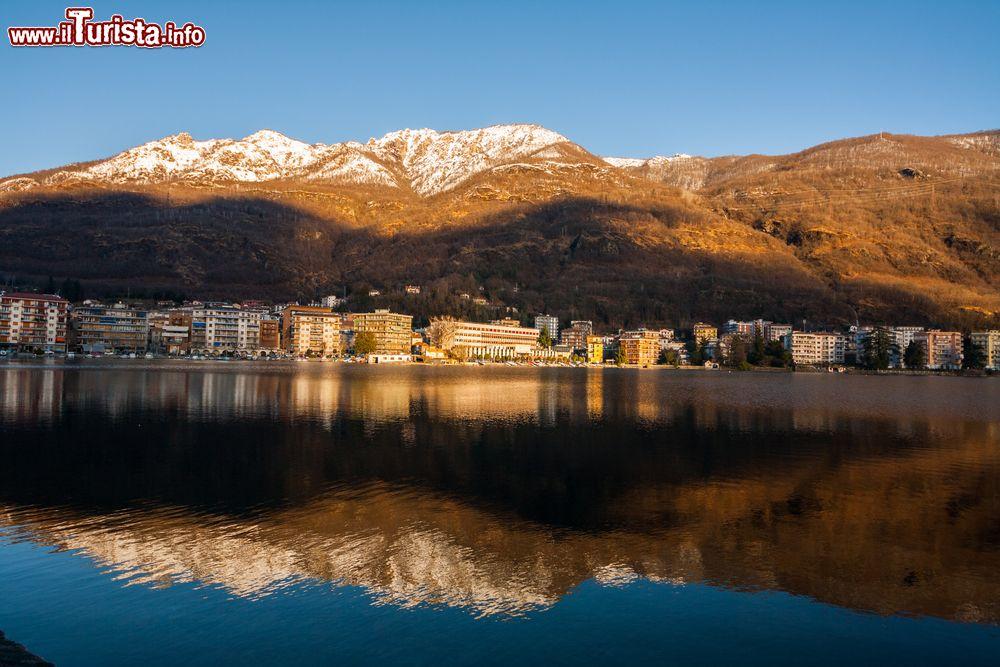 La citt di omegna sul lago d 39 orta foto omegna for Casetta sul lago catskills ny