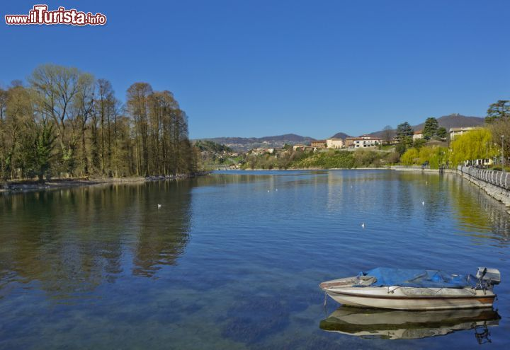 Il paesaggio lacustre di sarnico ci troviamo foto for Casetta sul lago catskills ny