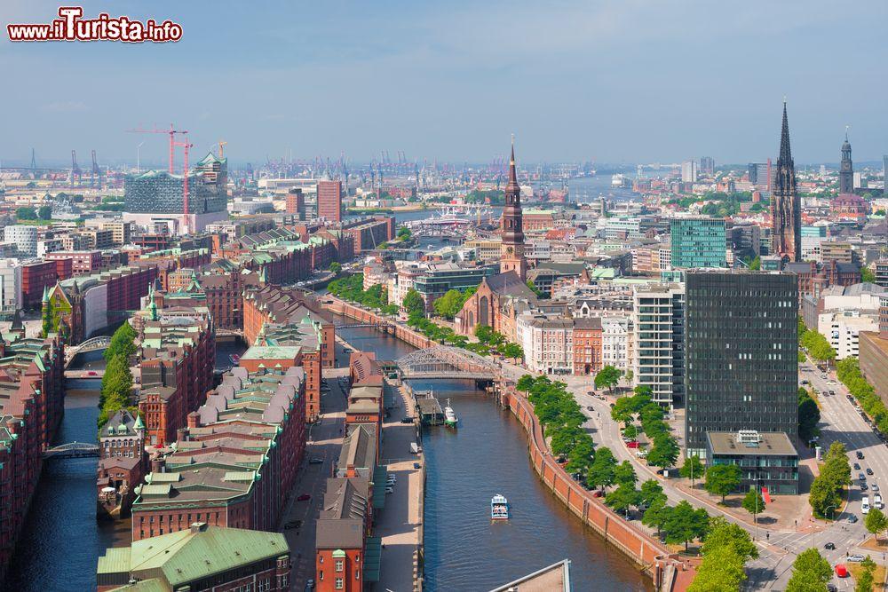 Cartina Elba Fiume.Amburgo Viaggio Nella Citta Verde Sulle Sponde Del Fiume Cosa Vedere