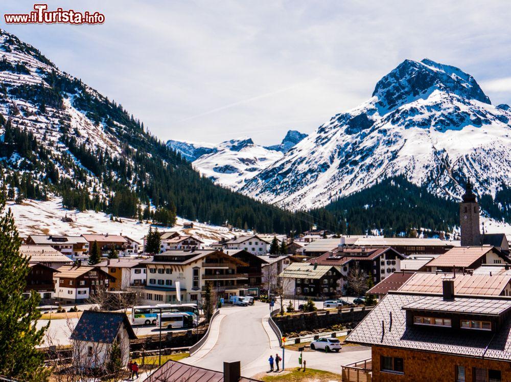 cerca il più recente sconto speciale di disponibile Sentieri ed escursioni a Lech in Austria: l'anello verde e ...
