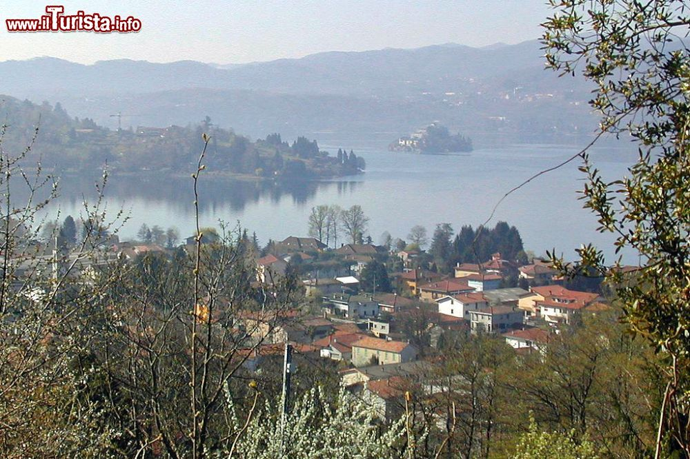 Le foto di cosa vedere e visitare a Pettenasco