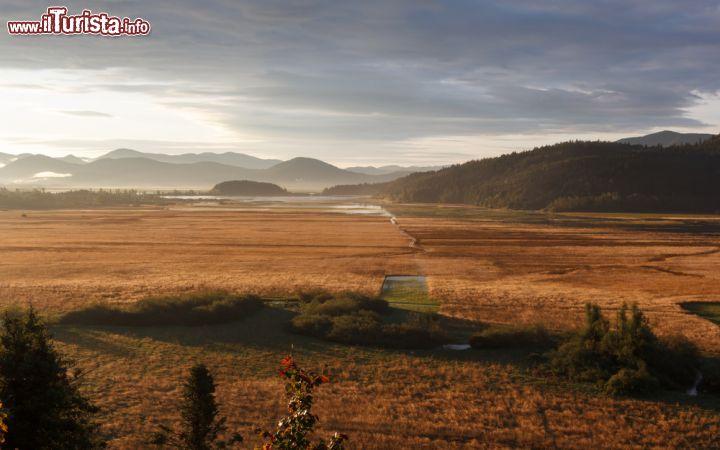 Panorama autunnale sul lago circonio slovenia foto for Casetta sul lago catskills ny