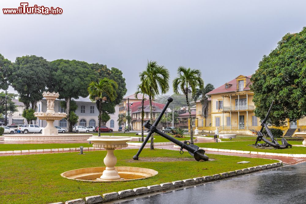 Immagine Il parco del Museo Dipartimentale Francofono a Cayenne, Guyana Francese.