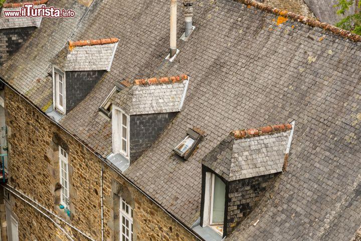 Particolare di una casa in pietra a dinan il foto dinan for Costo della costruzione di una casa in pietra