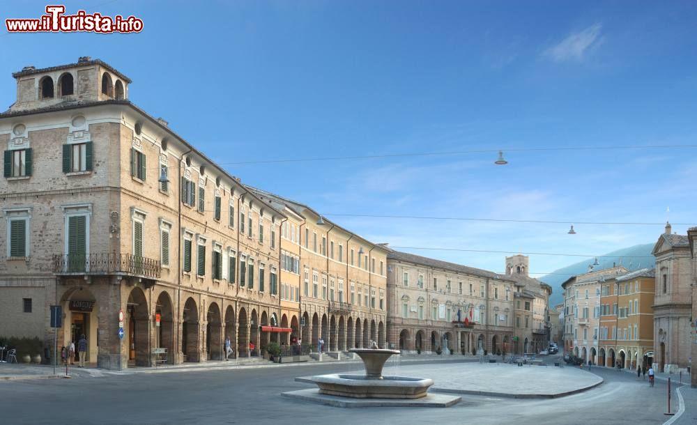Le foto di cosa vedere e visitare a San Severino Marche