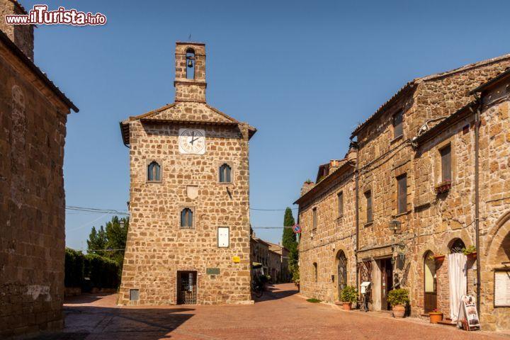 Sovana (Toscana): il borgo della Maremma e la sua necropoli | Guida e foto