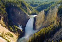 Il Grand Canyon dello Yellowstone termina con ...