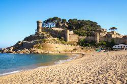 Tossa de mar il turismo raffinato della costa foto for Oficina de turismo tossa de mar
