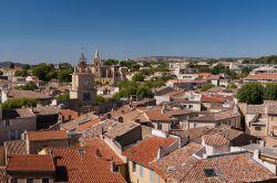 La tour de l 39 horloge uno dei simboli foto salon de for Porte de l horloge salon de provence