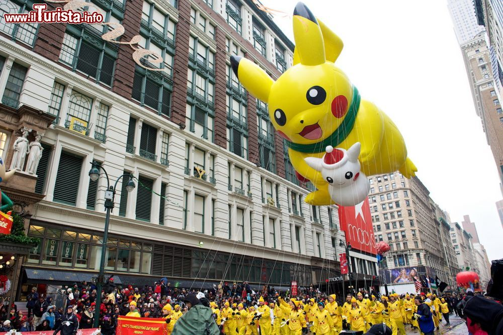 Immagine Pikachu (Pokemon)  durante la parata del Macy's Thanksgiving Day Parade - photo Kent Miller Studios Macys Inc.