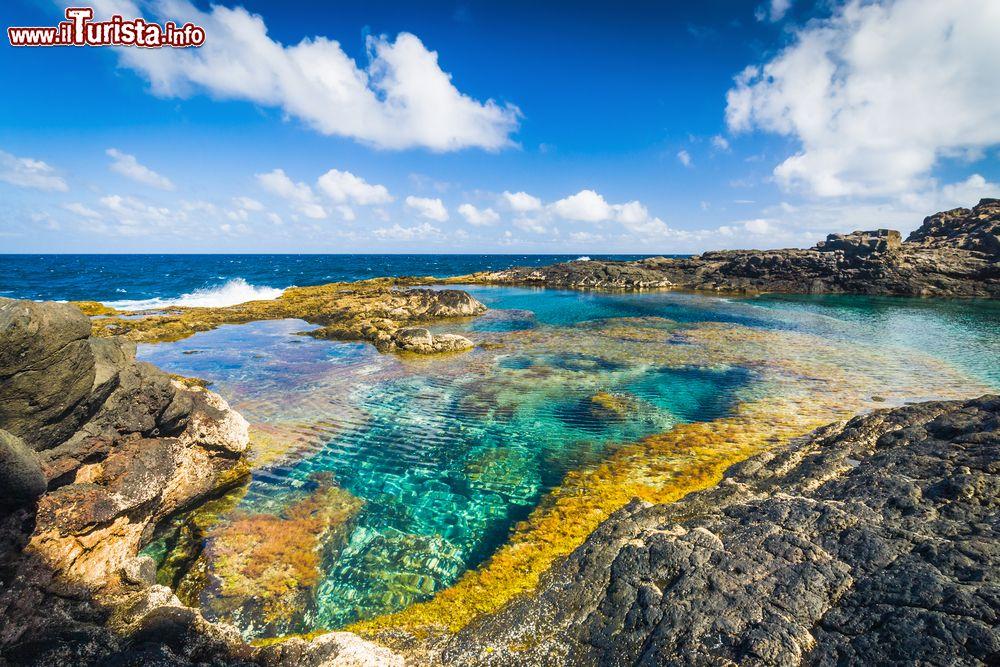 Piscine naturali sulla costa di lanzarote la foto - Piscine naturali piemonte ...