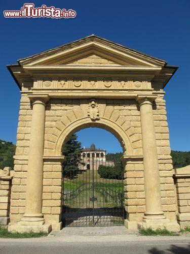 L 39 imponente porta di ingresso a villa dei foto torreglia - Ugc porta di roma programmazione ...