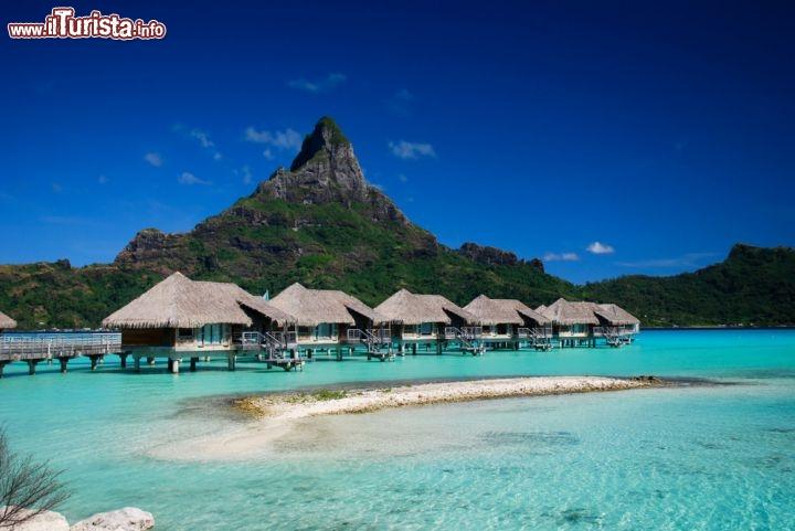 Resort di lusso sull 39 isola di bora bora foto bora bora for Isole da sogno a sud della birmania codycross