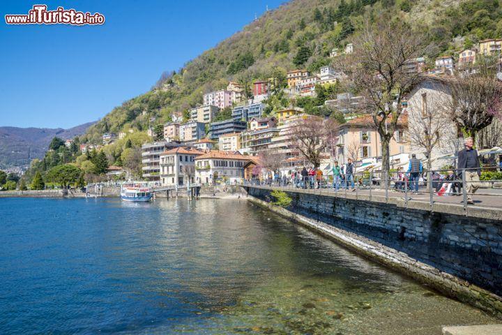 Scorcio panoramico sul lago di como lombardia foto como for Casetta sul lago catskills ny
