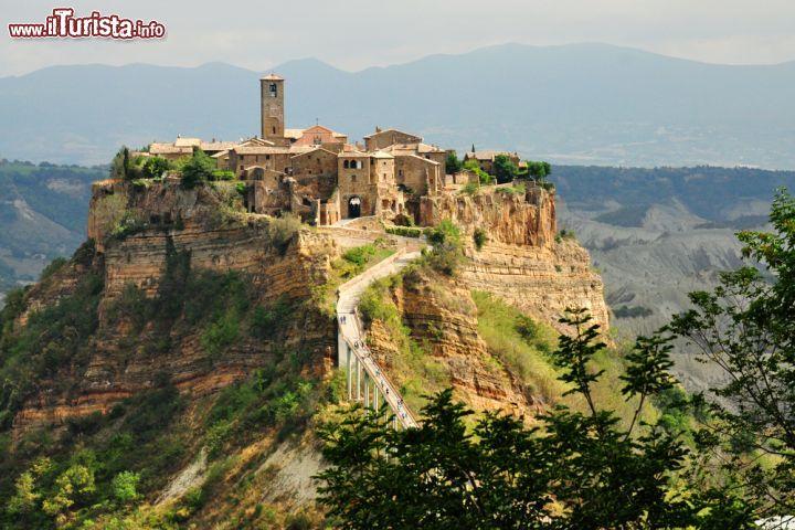 Il Borgo Di Civita Di Bagnoregio Lazio Chi Foto